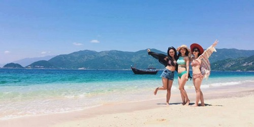 Mùa hè là mùa du lịch cao điểm tại Khánh Hòa